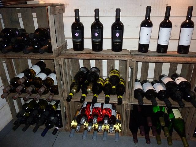 mange flasker vin